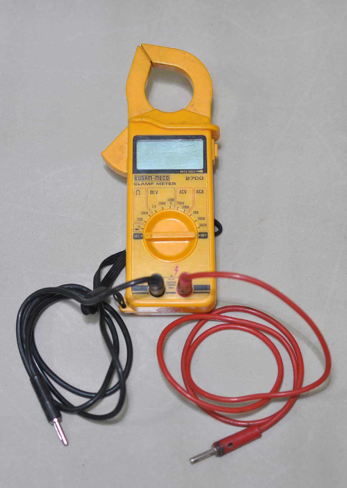 digital clamp on meter